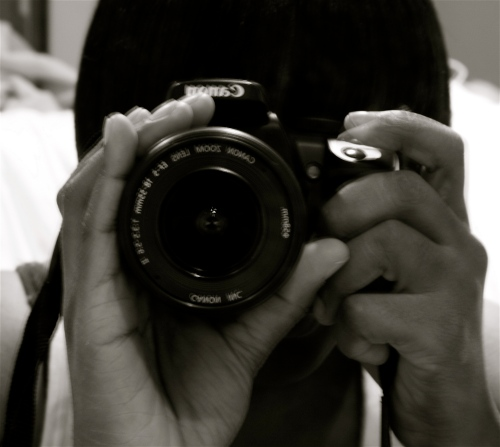 canon-bw-self-shoot