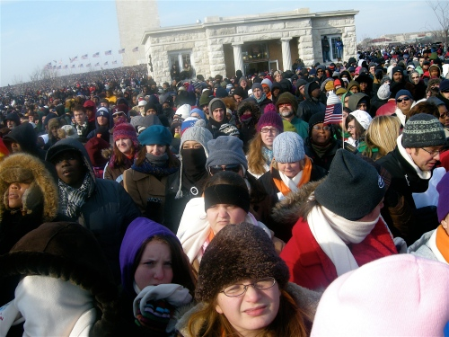 huge-crowd-the-washington-monument